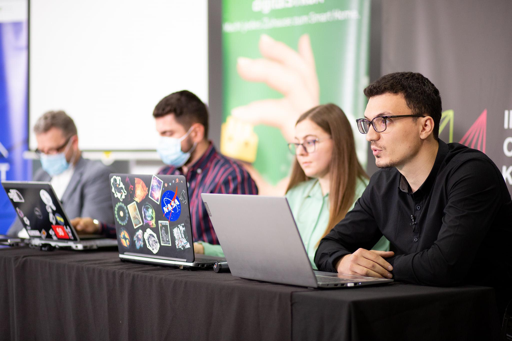 """Përmbyllet edicioni i parë i konferencës """"Smart Home & Internet of Things"""""""