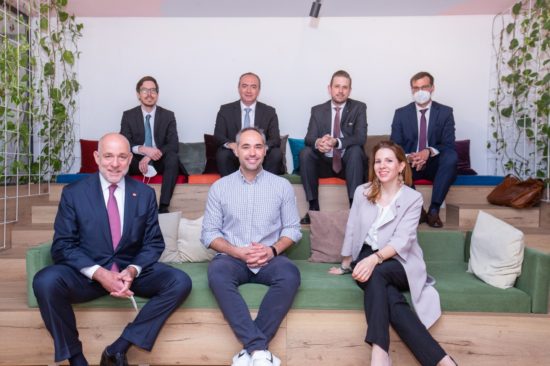 Deputetët austriak qëndrojnë për vizitë në ICK