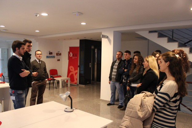 Students of Universum College visit ICK